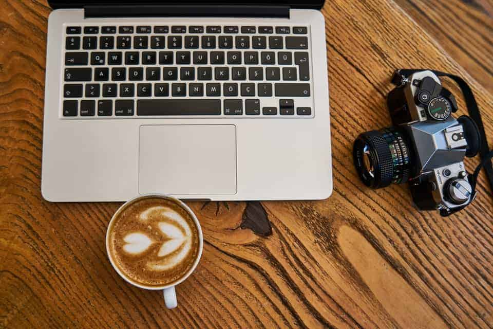 How to Organize Pictures: 4 Workflow Methods for Photographers