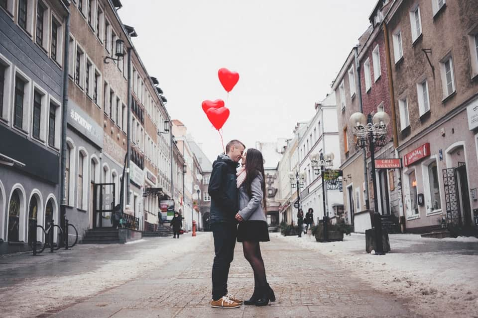 couple with ballons